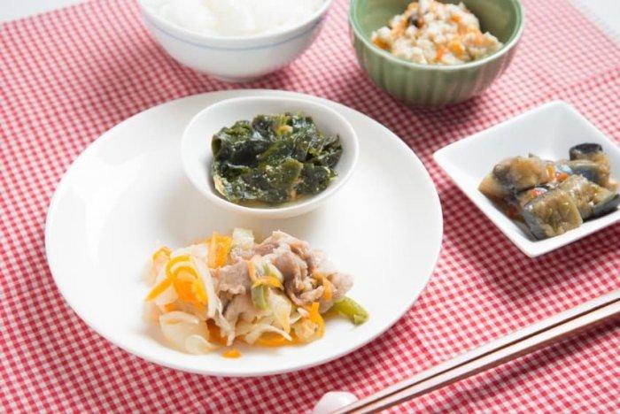 ウェルネスダイニング 豚肉と玉ねぎの味噌炒め7
