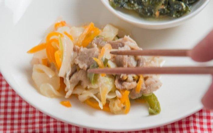 ウェルネスダイニング 豚肉と玉ねぎの味噌炒め9