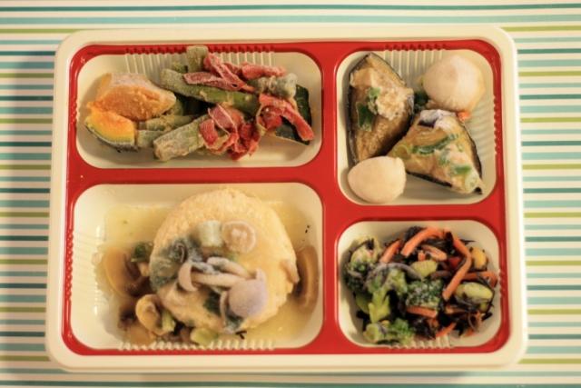 おまかせ健康三彩 豆腐ハンバーグきのこソース3