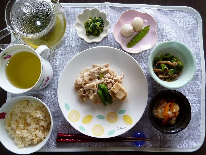 食宅便 豚肉と高野豆腐の煮物12