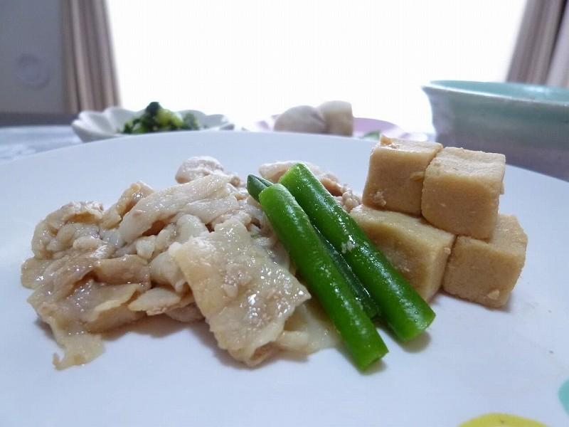 食宅便 豚肉と高野豆腐の煮物13