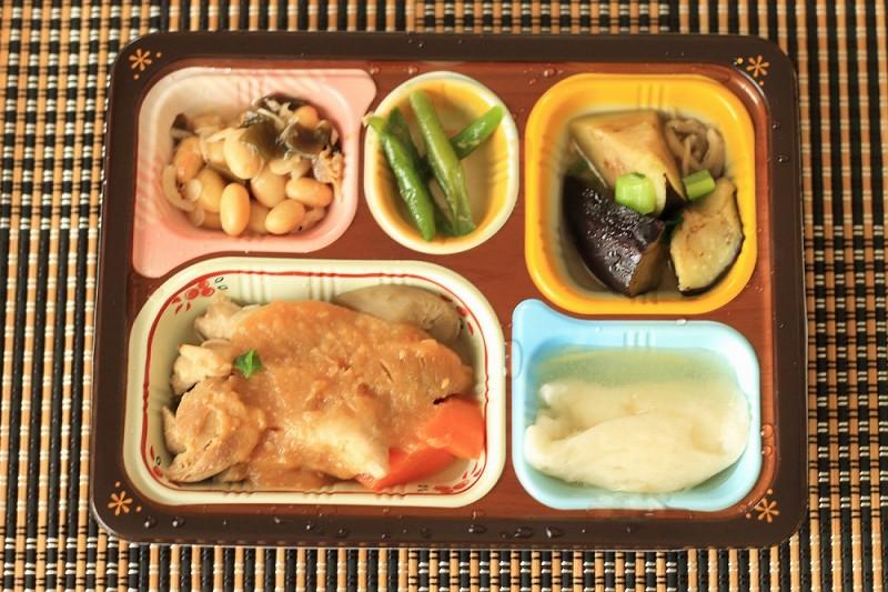 食宅便 鶏肉の胡麻味噌煮23